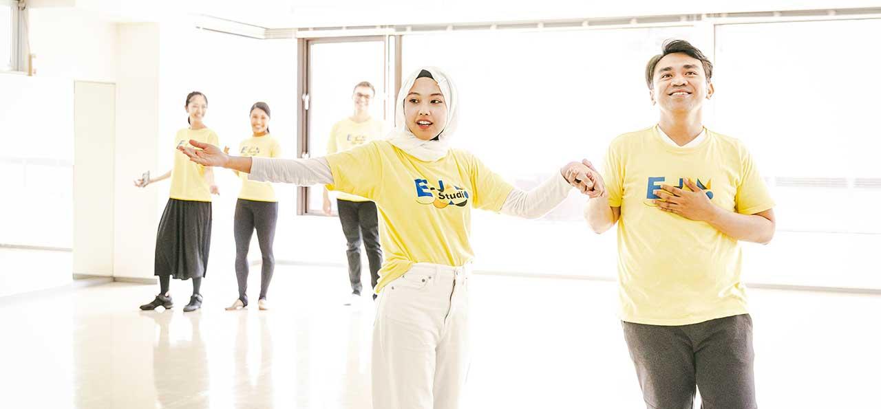 英語×演劇 E-JAM Studioのアクティングレッスンは、演劇の世界で学ぶ英会話