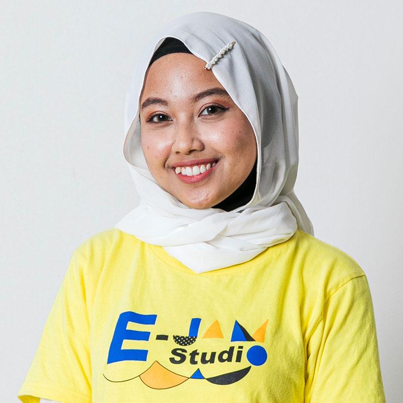 英語×演劇 E-JAM Studio 英語×演劇×ダンス講師 Ilma Chairunnisa